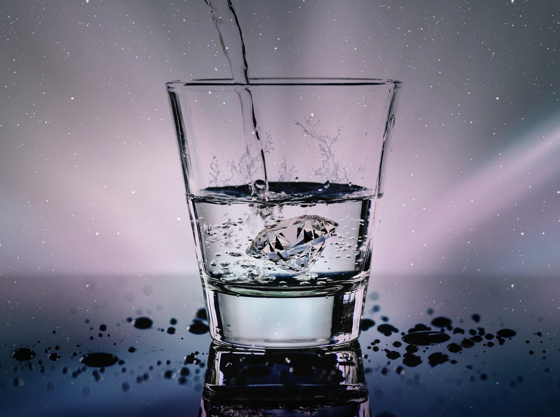 מסנן מים או מטהר
